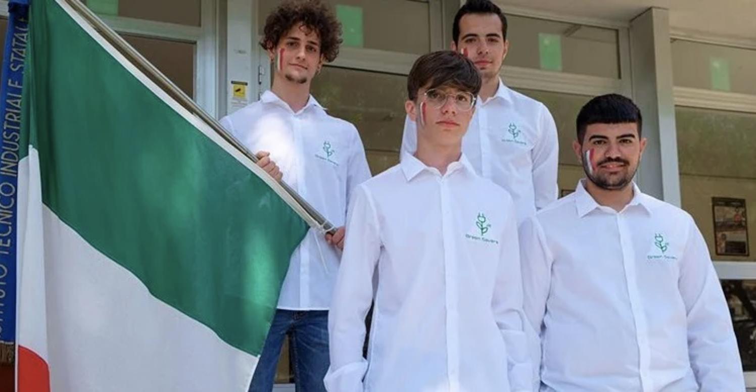 i ragazzi di Green Savers JA